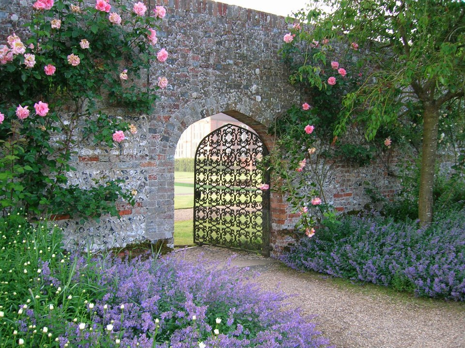 rose-gate-pwm
