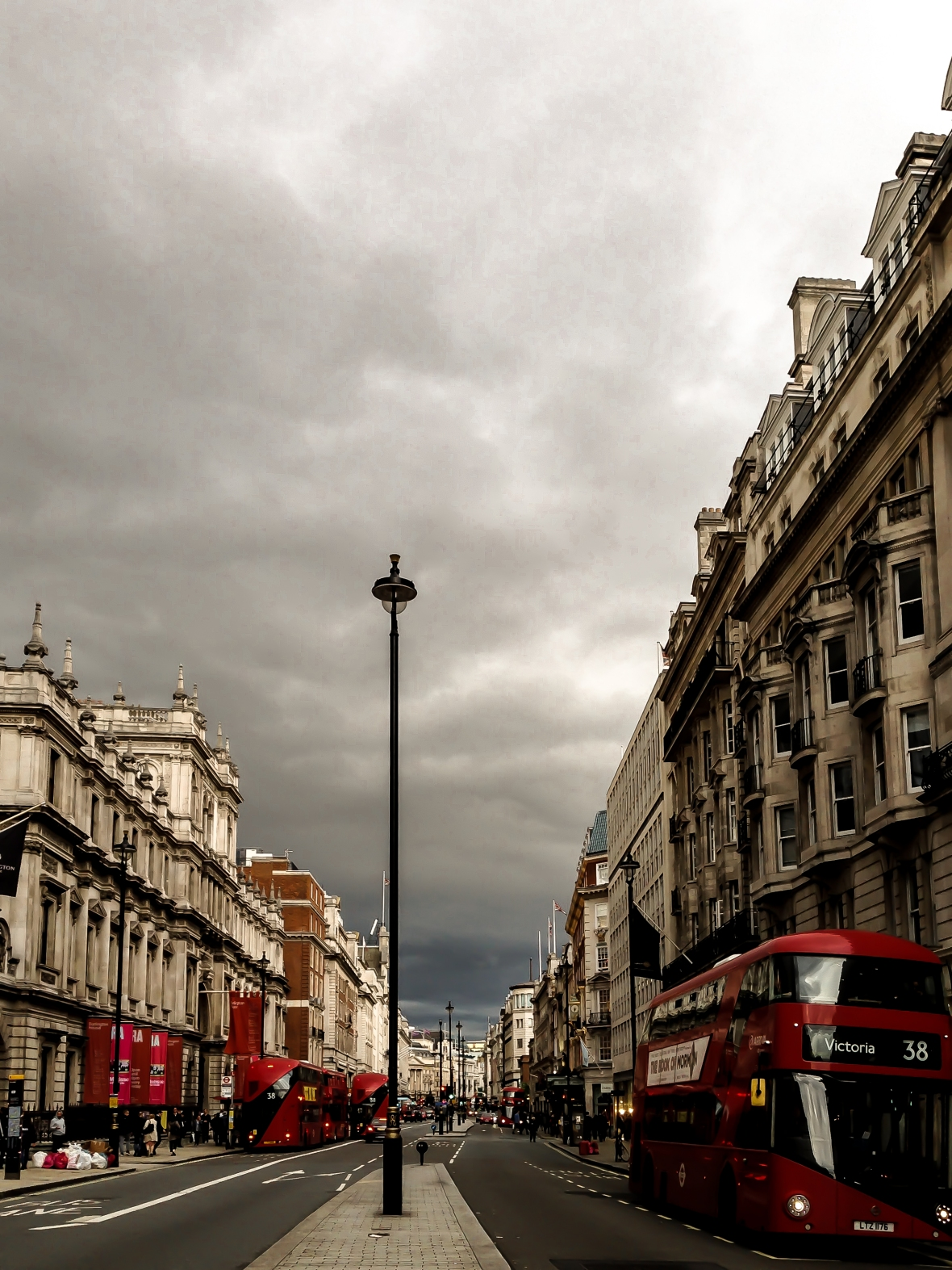 piccadilly_london